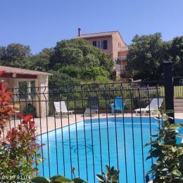 Villa vue de la piscine - Location de vacances - Roche-Saint-Secret-Béconne