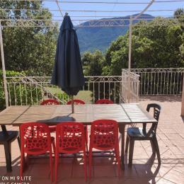 La terrasse sud vous attend ! - Location de vacances - Roche-Saint-Secret-Béconne