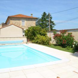 La piscine et coin détente - Chambre d'hôtes - Montmeyran