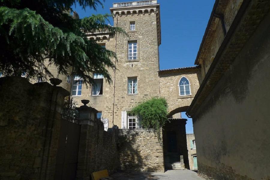 L'entrée du Presbytère - Location de vacances - Rochegude