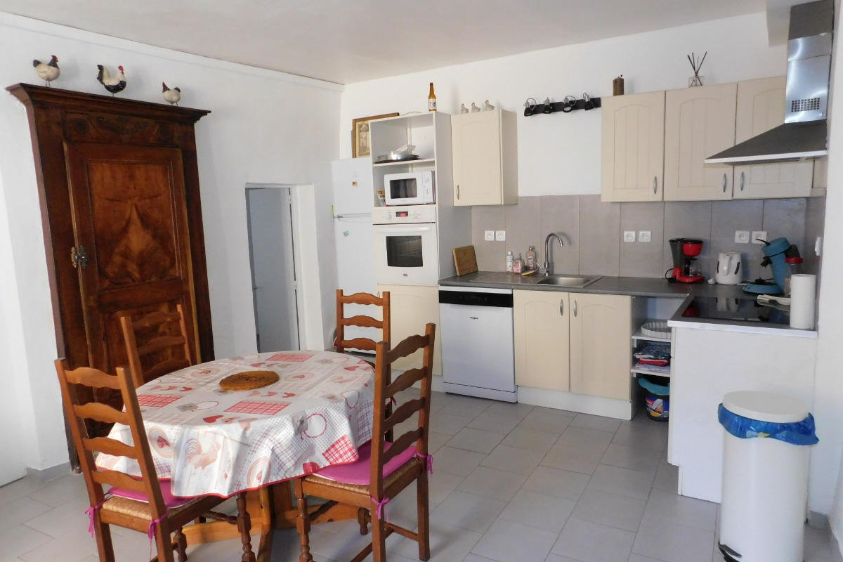 coté cuisine - Location de vacances - Sainte-Croix