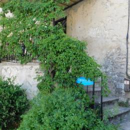 Côté cuisine  - Location de vacances - Sainte-Croix
