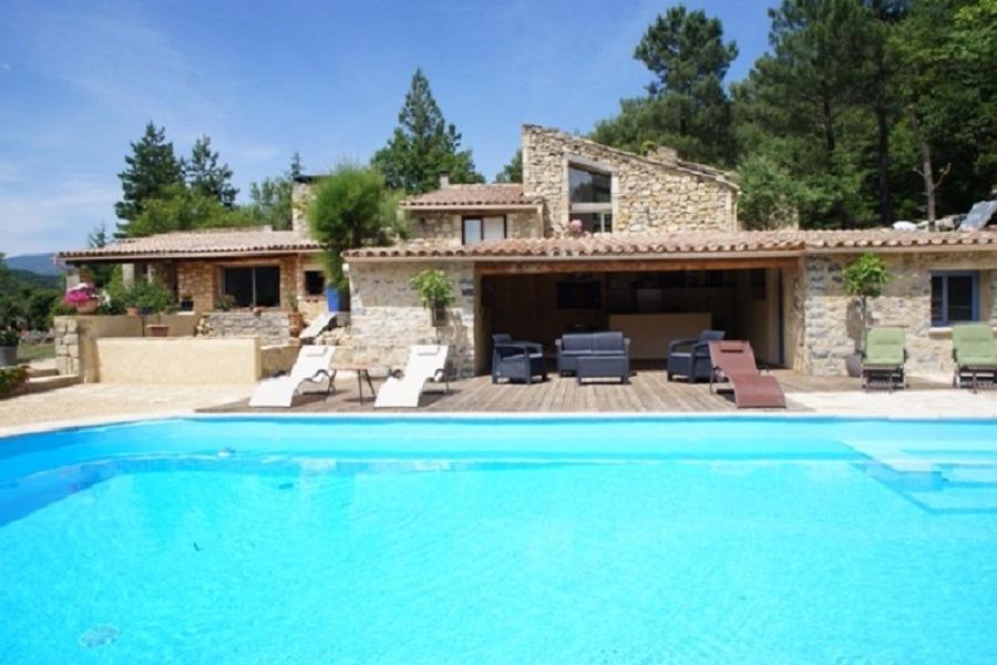 Le g te familial dans un cadre naturel exceptionnel avec - Location vacances drome avec piscine ...