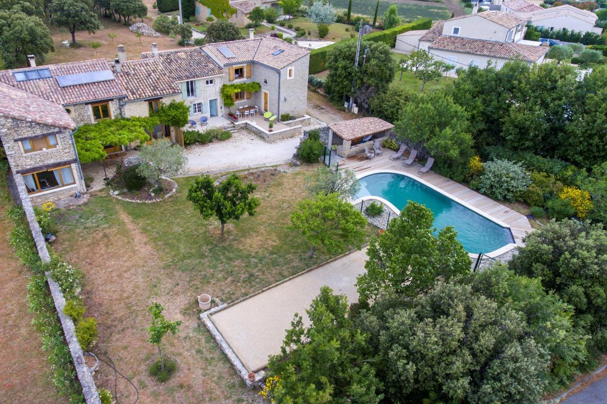 Les lavandins maison en pierre avec piscine taulignan - Location vacances drome avec piscine ...