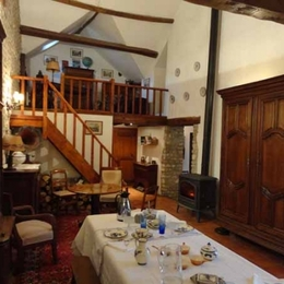 La salle du petit déjeuner - Chambre d'hôtes - BONCOURT