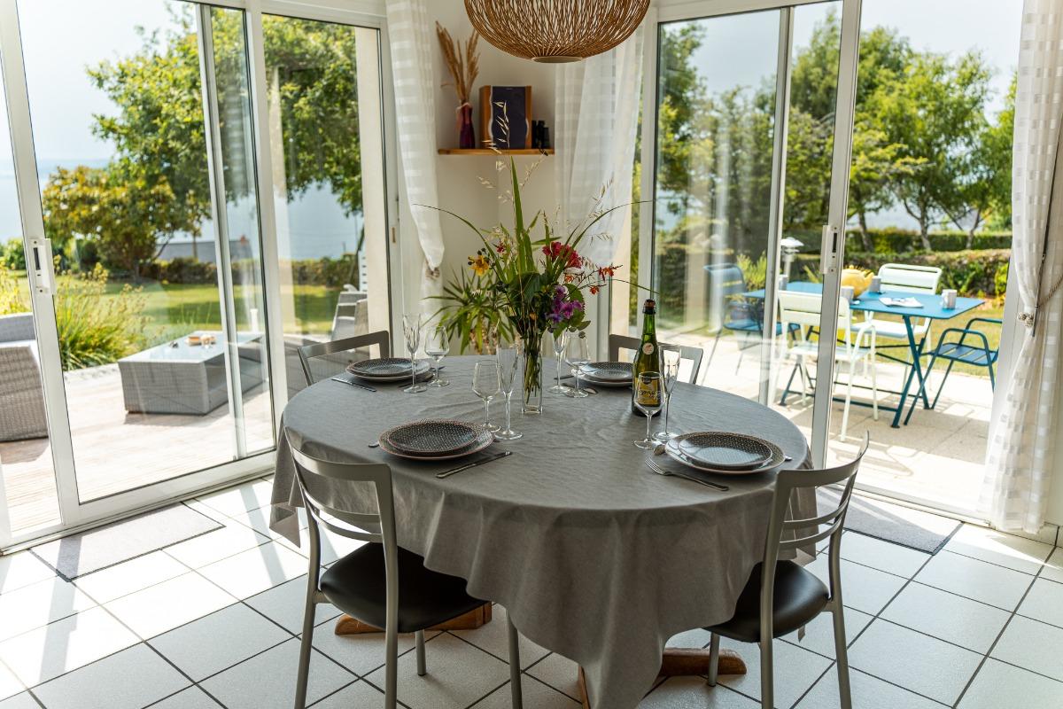 Coin repas face à la mer - Location de vacances - Roscanvel
