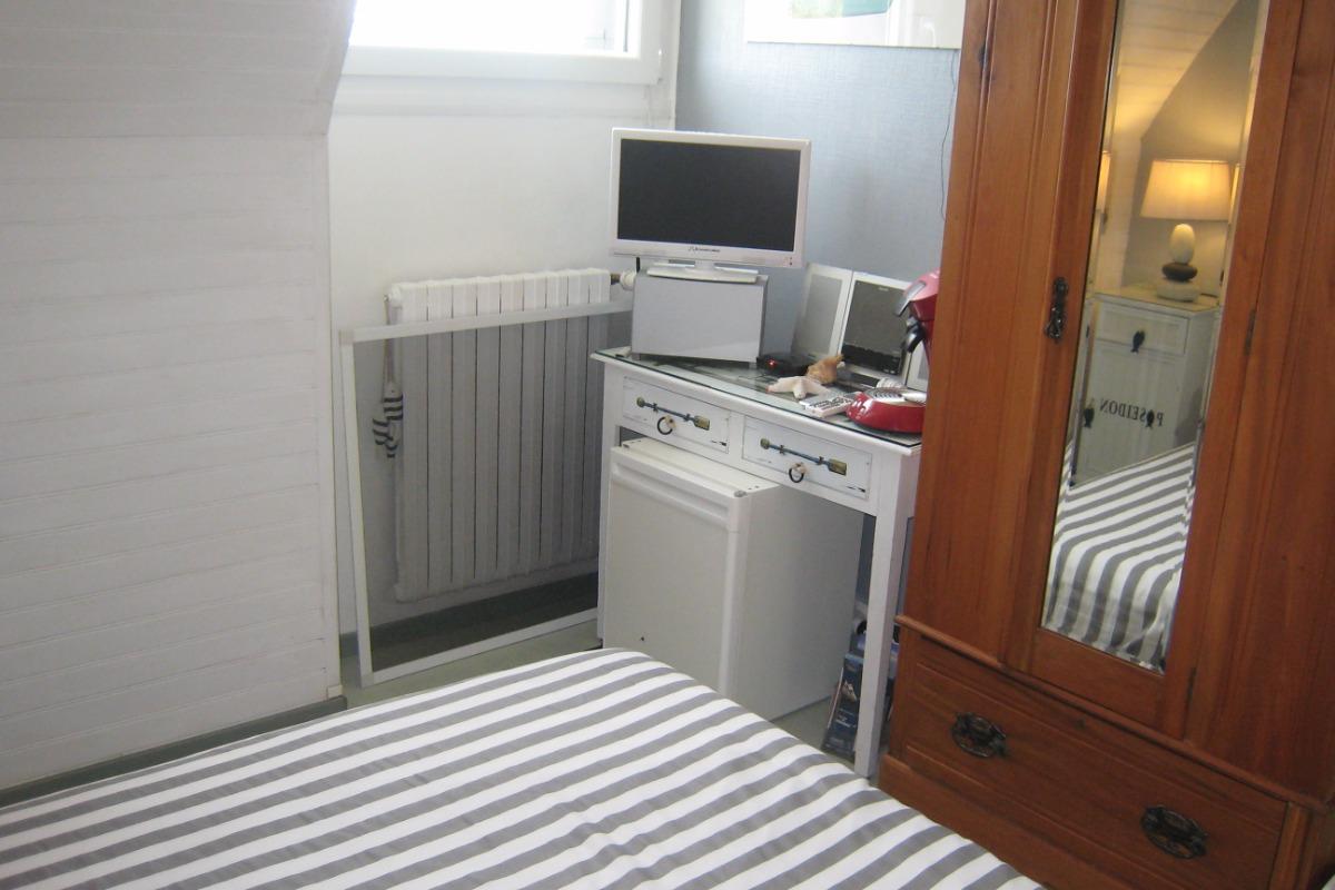 chambre et matériel accessoires - Chambre d'hôtes - Guipavas