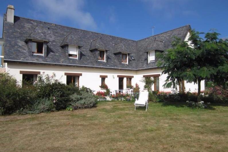 Appartement à l'étage d'une maison avec grand jardin paysagé et fleuri - Location de vacances - Clohars-Fouesnant