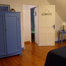 Chambre avec 1 lit 140 - Location de vacances - Guilvinec