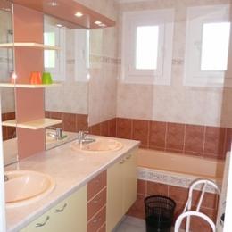 Salle de bain RDC - Location de vacances - Fouesnant
