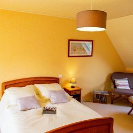 La chambre Bouton d'or - Location de vacances - Landudec