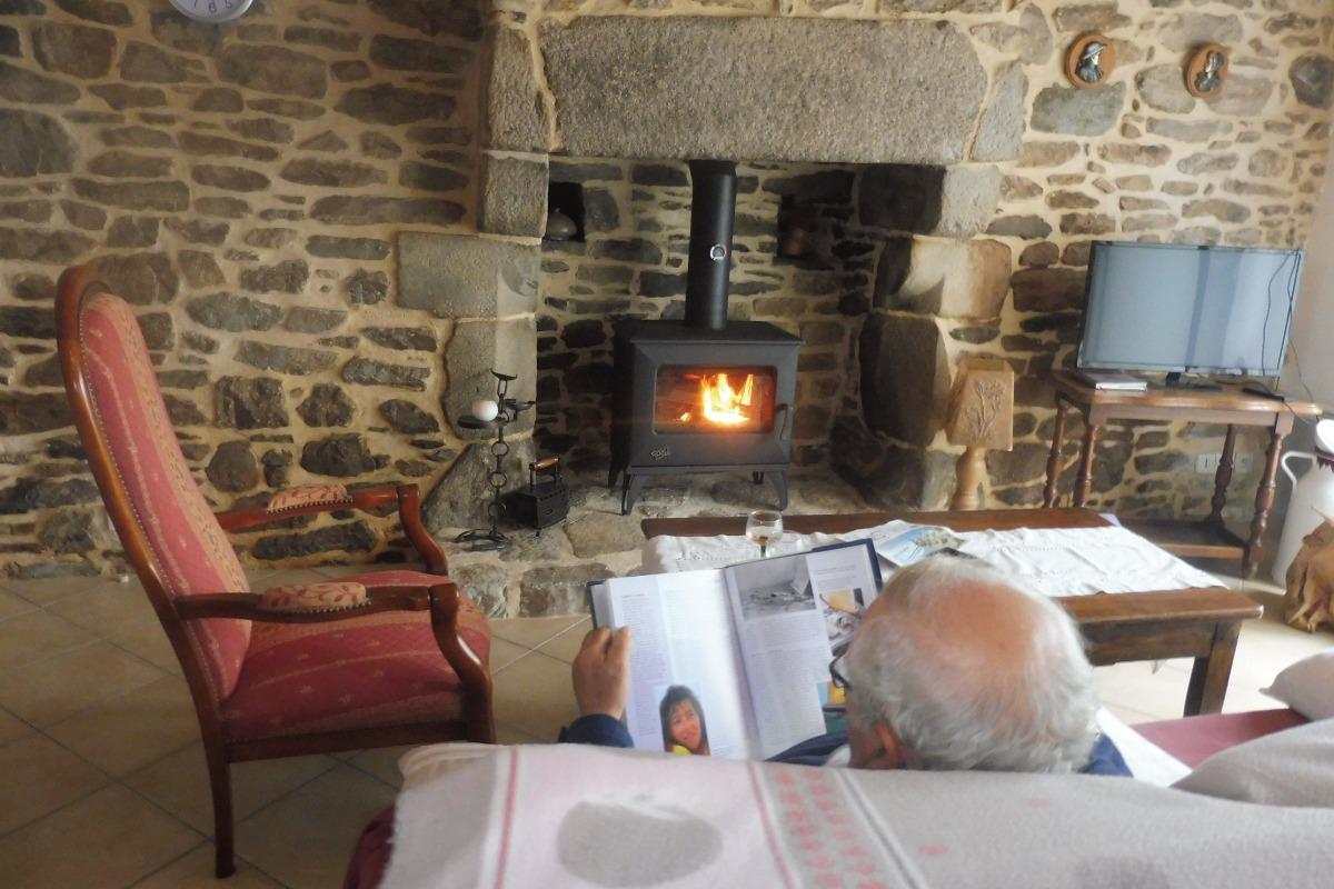 Gîte de Kerguinou, St-Pabu , Entre Terre et Mer - poêle à bois.... - Location de vacances - Saint-Pabu