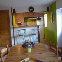 cuisine et coin repas gîte Neiz Bihan - Location de vacances - Hanvec