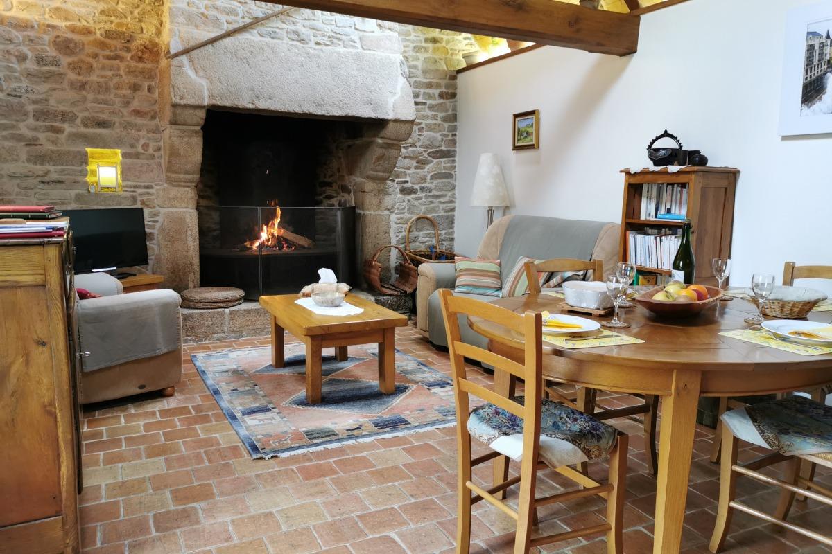Le salon - Location de vacances - Plougonven