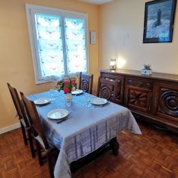 chambre lit 2 personne et armoire penderie - Location de vacances - Beuzec-Cap-Sizun