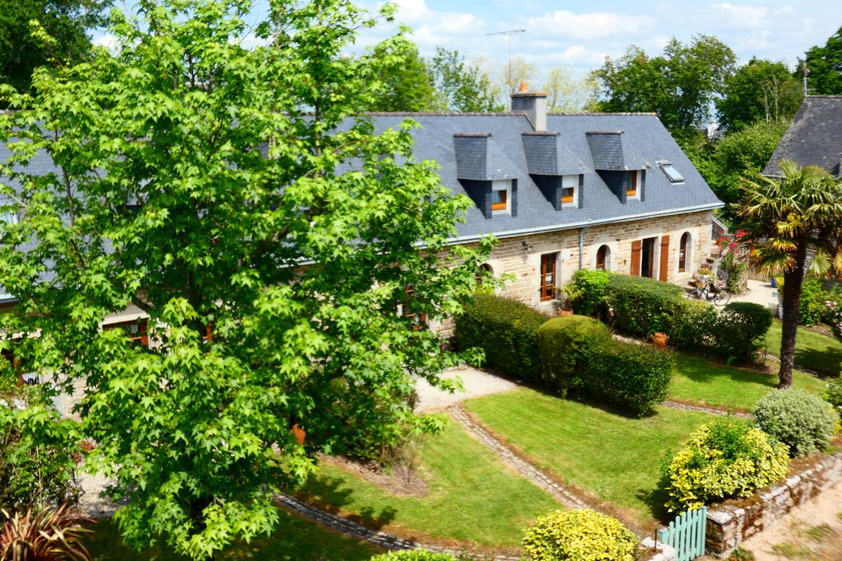 façade sud de la maison avec terrasse et jardin privatif - Location de vacances - Fouesnant
