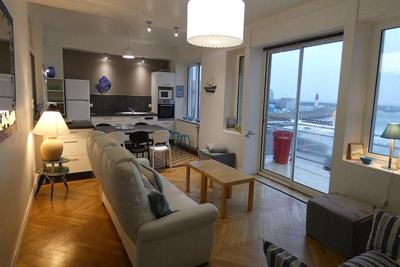 appartement 3 chambres dans maison pieds dans l 39 eau finist re bretagne location vacances. Black Bedroom Furniture Sets. Home Design Ideas