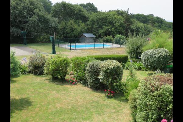 Aire de jeu et piscine - Location de vacances - Clohars-Carnoët