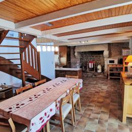 COIN SALON TV  DVD   CHEMINÉE AVEC INSERT - Location de vacances - Plobannalec-Lesconil
