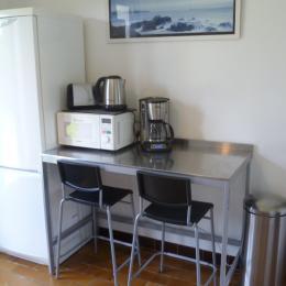 accès de la cuisine la terrasse et le jardin privatif à l'arrière de la maison - Location de vacances - Plouguerneau