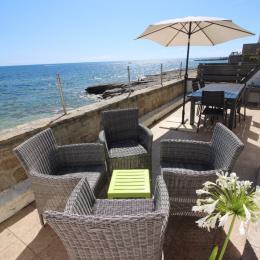 la terrasse, vue sur mer et l'entrée du port - Location de vacances - Guilvinec