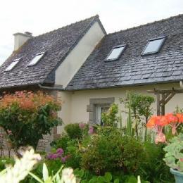 Vue sur la terrasse et le jardin à l'est  - Location de vacances - Le Cloître-Saint-Thégonnec