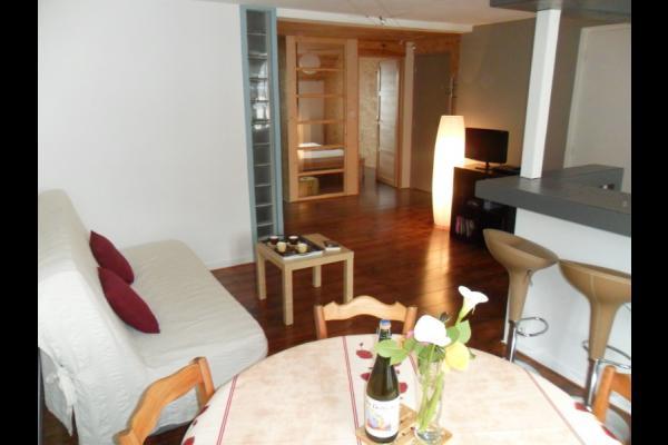 Salon avec canapé et table basse - Location de vacances - Douarnenez