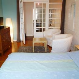 Chambre parentale avec coin salon - Location de vacances - Douarnenez