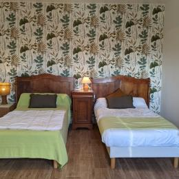 Chambre N°2 avec lits en 90 - Location de vacances - Saint-Pabu