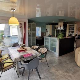 salle à manger avec terrasse - Location de vacances - Plougastel-Daoulas
