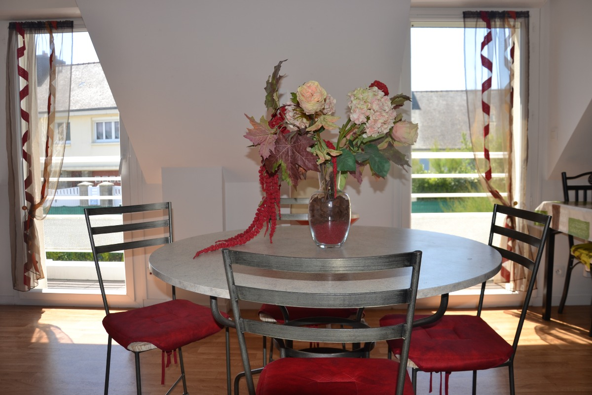 La salle à manger spacieuse et ensoleillée - Location de vacances - Clohars-Carnoët