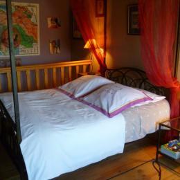 chambre en mezzanine avec lit 2 personnes au 1er étage - Location de vacances - Gouézec