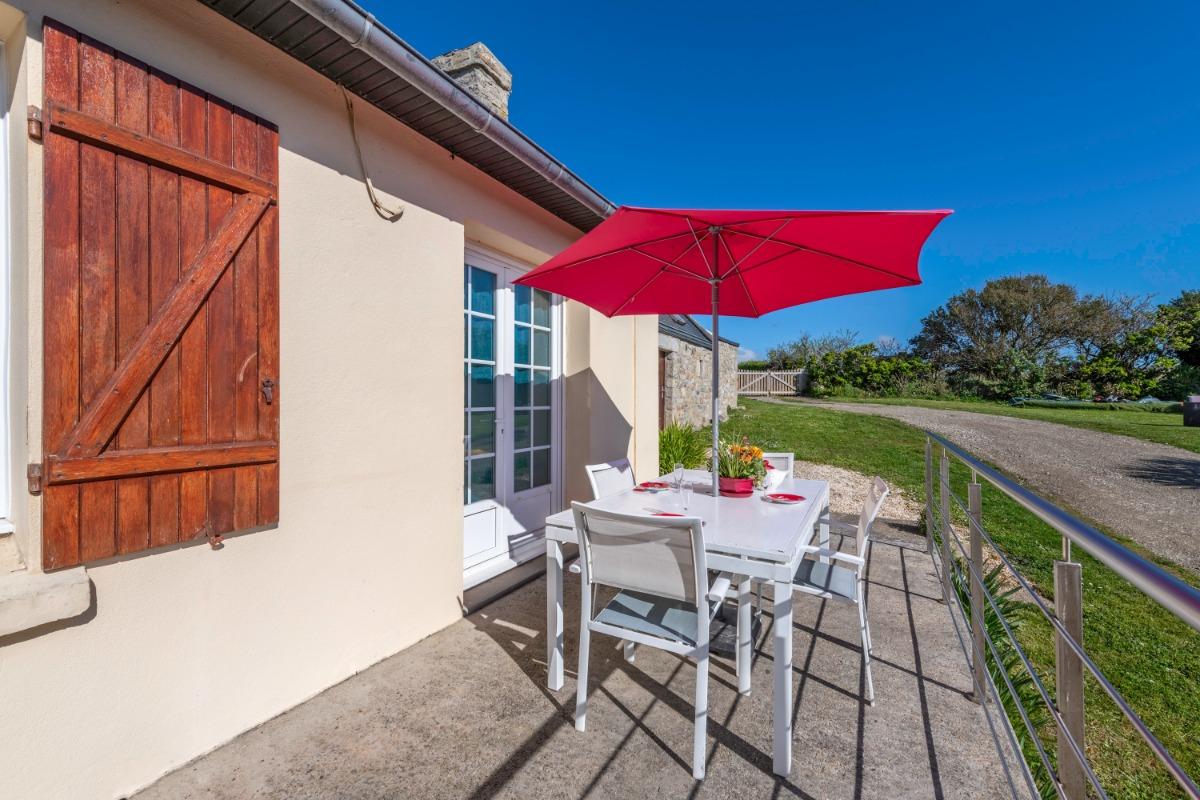 cuisine plaque induction, four électrique, lave - vaisselle, réfrigérateur, plan de travail - Location de vacances - Plouarzel