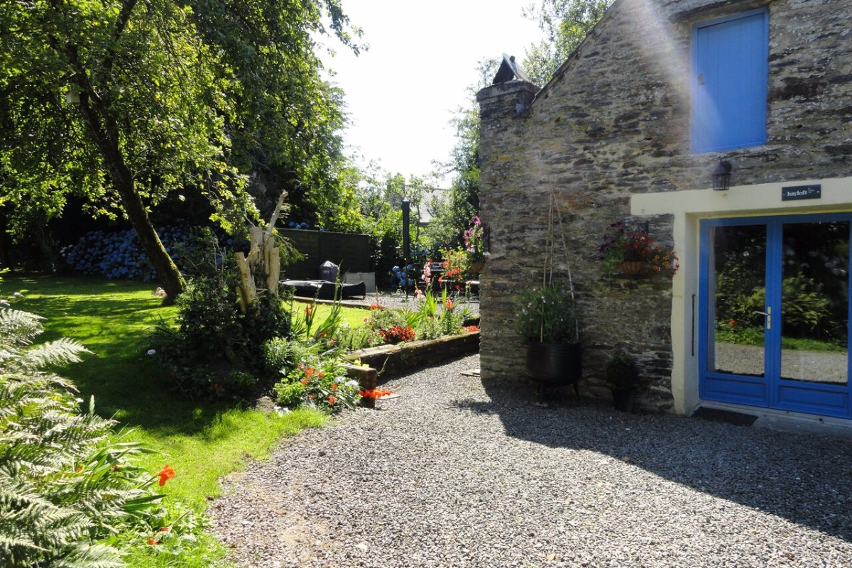 Gîte Hayloft, maison de plain-pied pour 2 personnes avec jardin privatif et terrasse - Location de vacances - Sizun