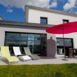piscine intérieure chauffée à 28° et commune aux 2 villas - Location de vacances - Sibiril