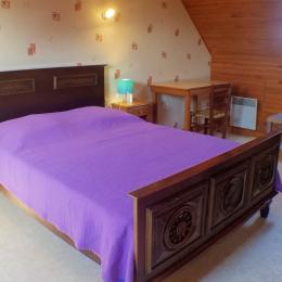 Salon séjour avec cheminée et TV 107cm - Location de vacances - Plouarzel