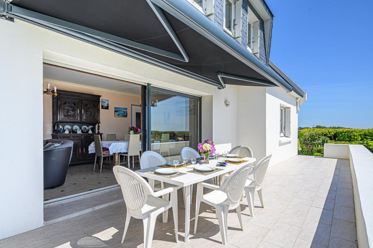 grand jardin clos avec jeux pour enfants et accès à la plage - Location de vacances - Trégunc