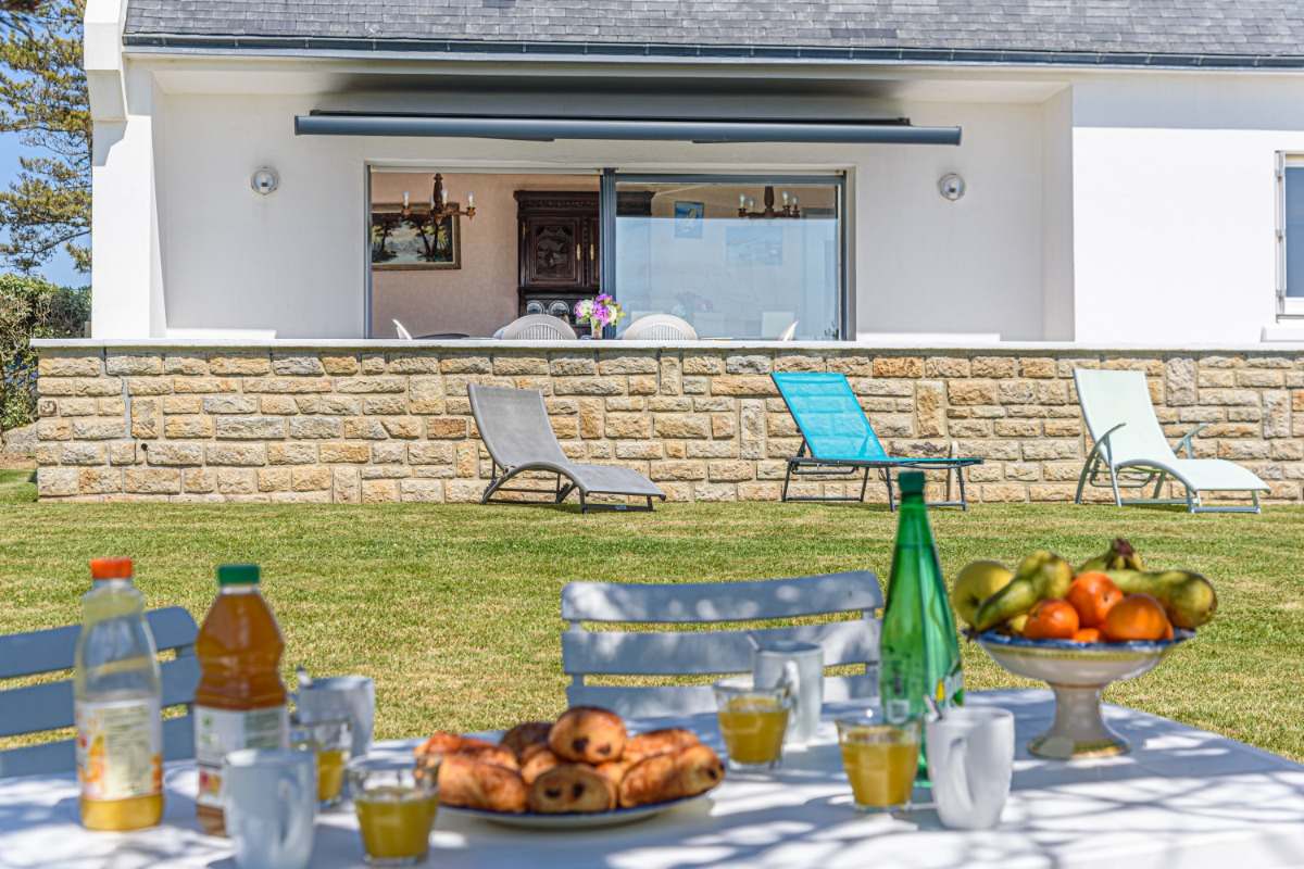 maison avec jardin clos et jeux pour enfants avec la mer au bout du jardin - Location de vacances - Trégunc