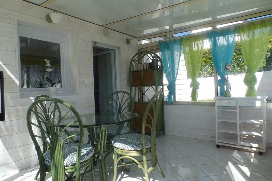 Véranda spacieuse et lumineuse - Location de vacances - Locmaria-Plouzané