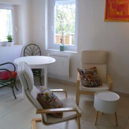Salon avec espace repas - Location de vacances - Locmaria-Plouzané