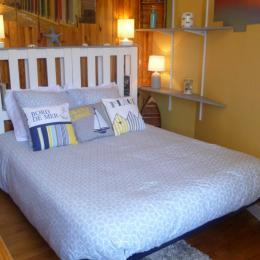chambre avec 2 lits 1 personne - Location de vacances - Roscoff