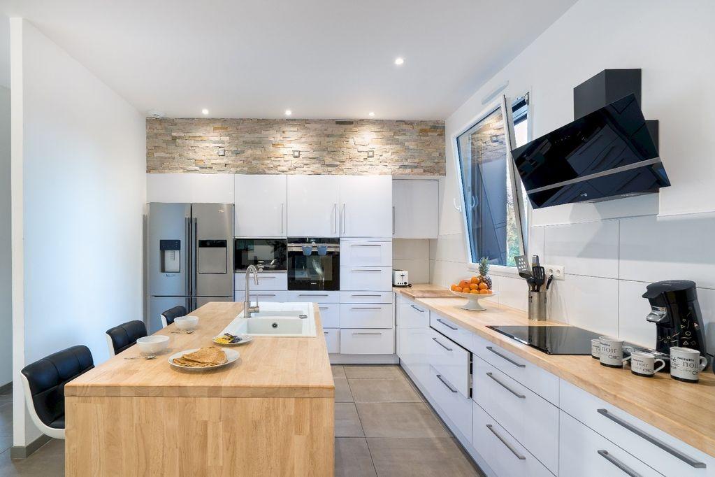 Villa Avec Sauna Et Piscine Intrieure Chauffe   Mn Du Bord De