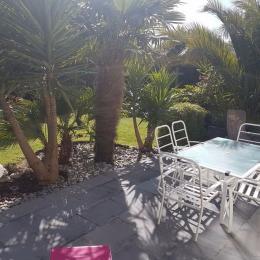 terrasse abritée avec transats et salon de jardin - Location de vacances - Plouarzel