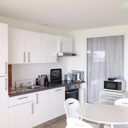 coin cuisine - Location de vacances - Plomodiern