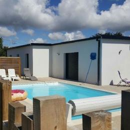 Maison de plain-pied avec jardin clos et piscine - Location de vacances - Plobannalec-Lesconil