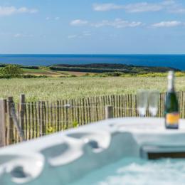 Chambre à l'étage - 1 lit 140 - vue mer - Location de vacances - Plougonvelin