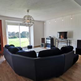 chambre au RDC avec lit 140 et armoire  - Location de vacances - Roscanvel