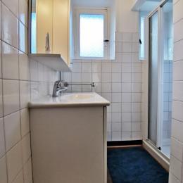 chambre 2 à l'étage avec lit 140 - Location de vacances - Roscanvel