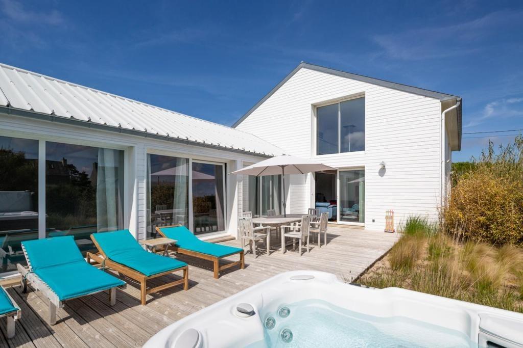 Villa Avec Piscine Spa Pres De Roscoff Location Vacances A Cleder Clevacances