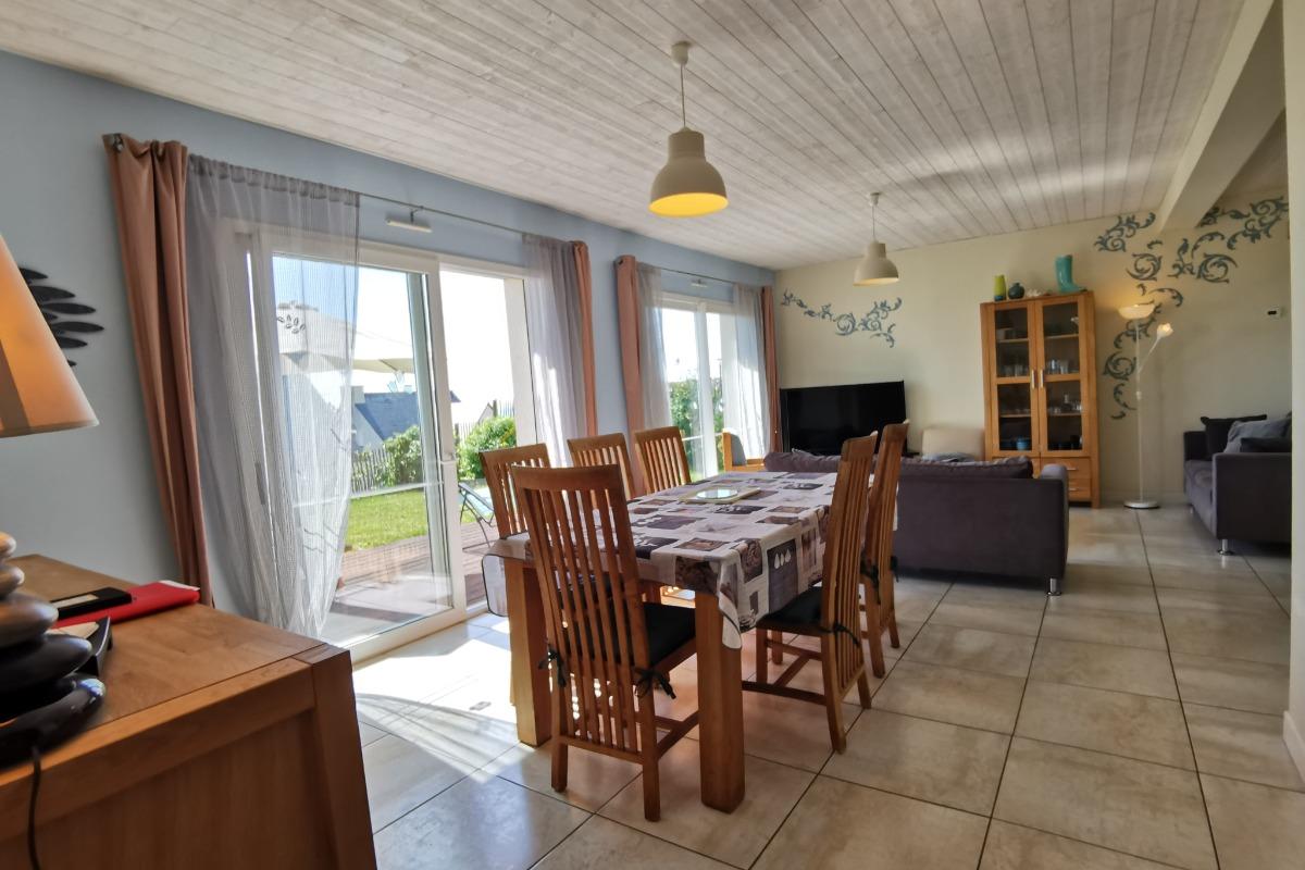 salon séjour avec vue mer - Location de vacances - Saint-Nic